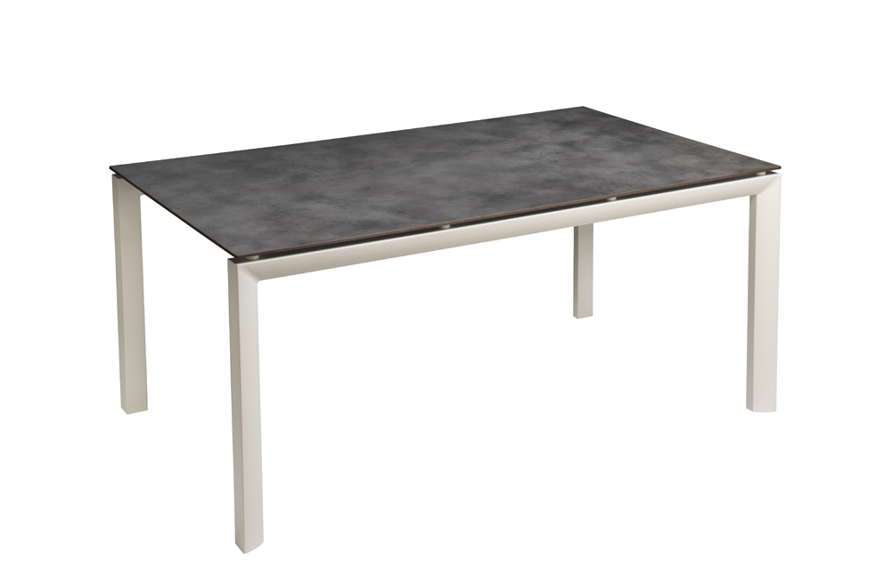 Sunset table with HPL top | Grosfillex