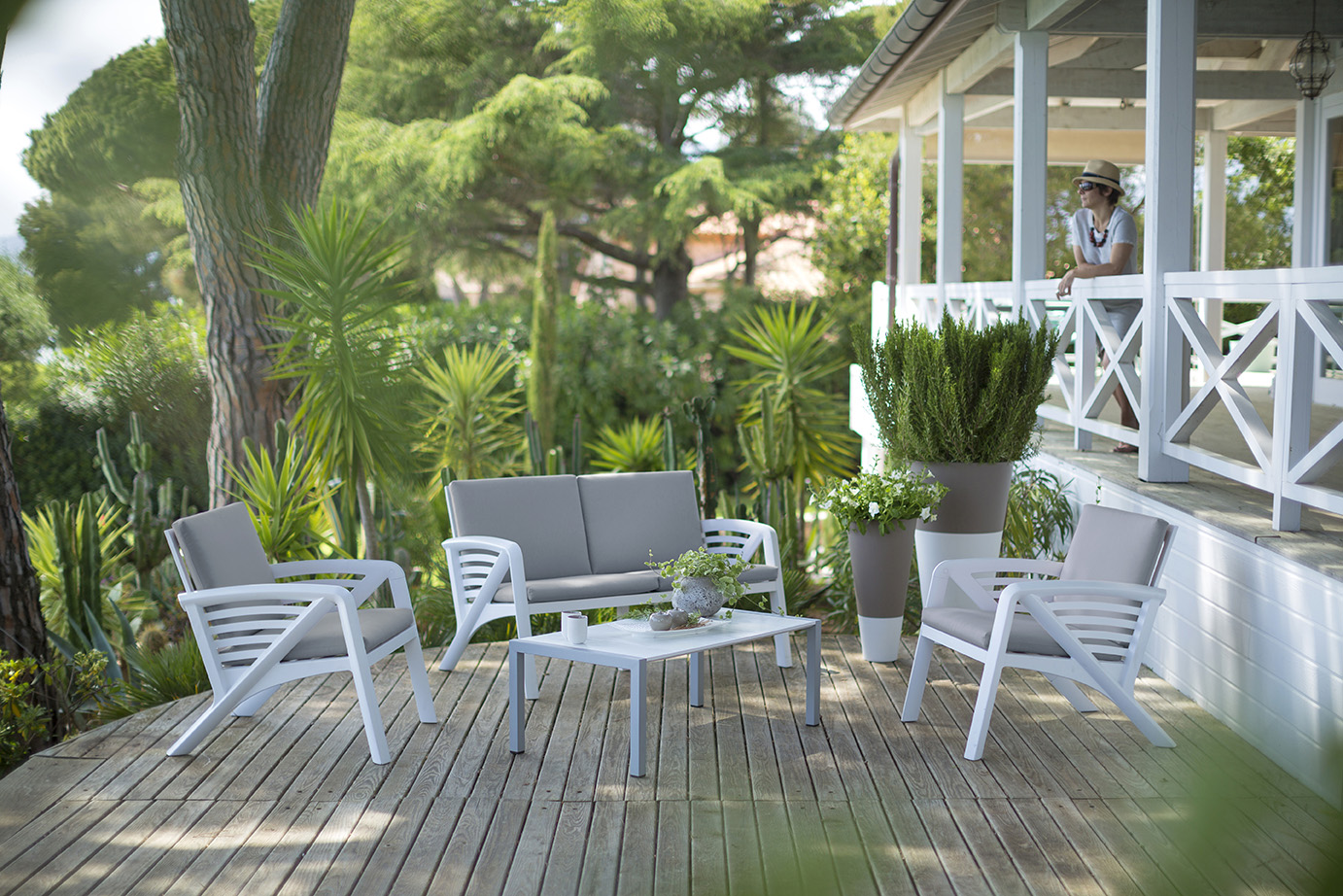 Garden furniture Sunday | Grosfillex