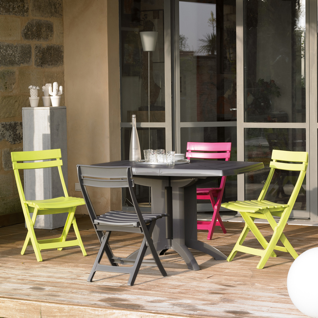 Vega 118 cm garden tables | Grosfillex