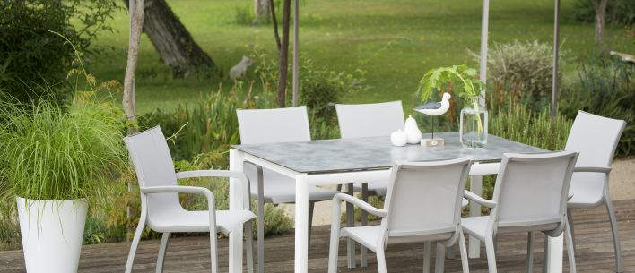 Sunset garden dining set with HPL table top | Grosfillex
